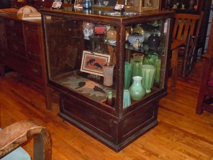Small Counter Showcase